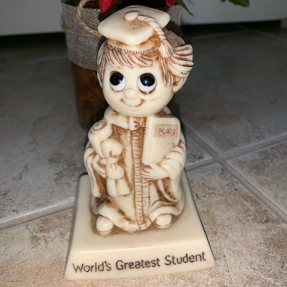 "- 🏆 🌟 HP ""World's Greatest Student"" Figurine…"